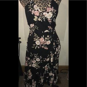 Lulu's Black Floral Hi-Lo Dress  Size Medium